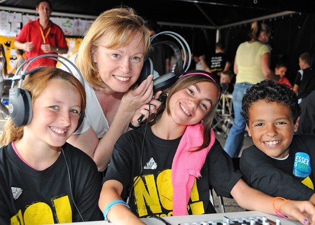 Angela Smith MP with kids mixing music using computers @ No Messin'! Live, Basildon