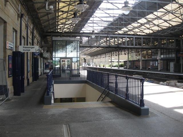 Huddersfield station_2