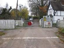 Barthomley level crossing 3