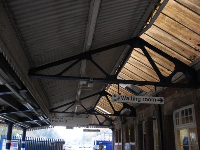 Gerrards Cross Platform 2 Canopy before (20)