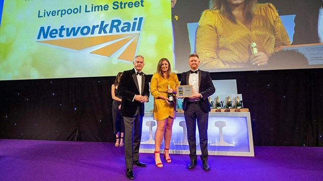 Liverpool Lime Street crowned station of the year at railway 'Oscars': BBC Newsreader Huw Edwards presenting Lime Street team with award (Picture Credit Rail Magazine)