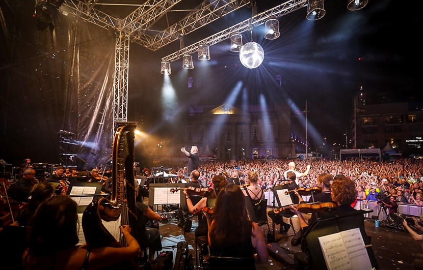 80s Icons return to Leeds for open air symphonic spectacular: 2019orchestraampcrowd-981920.jpg