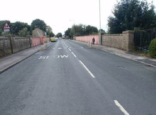 Bridge upgrade as Great North Rail project continues in West Yorkshire: New Cross Street bridge