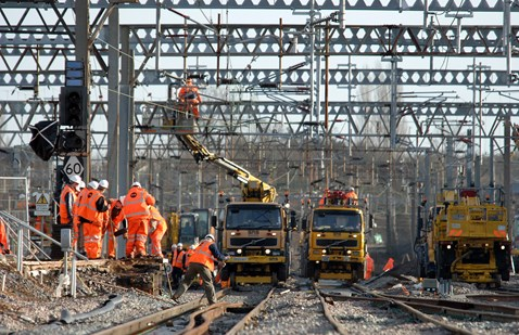 Renewing the overhead lines at Rugby