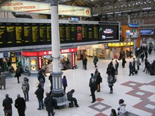 Network Rail sets out £4m fund to benefit passengers between London and south coast: London Victoria Station_2