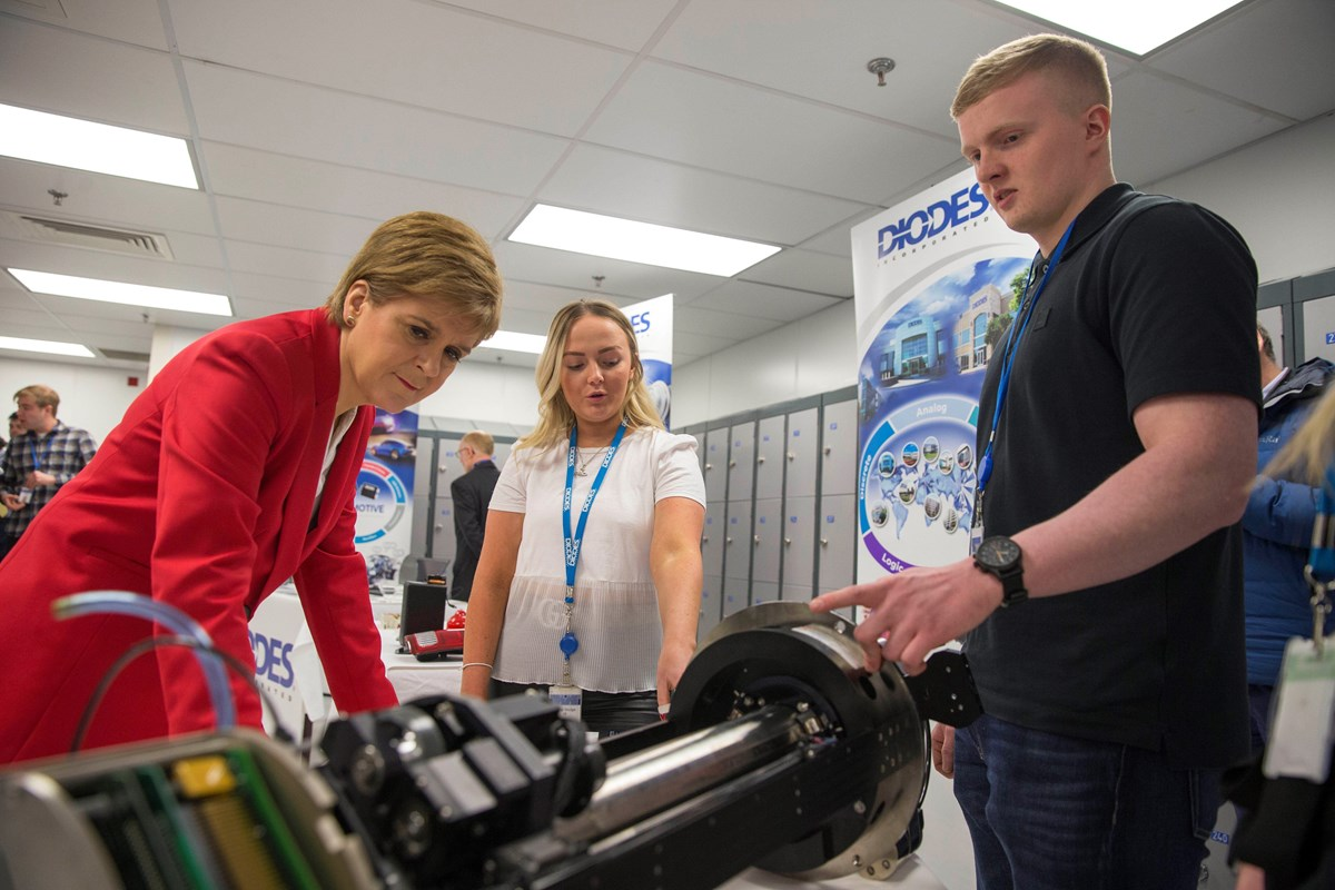 Diodes2: (L-R) The First Minister with Diodes apprentices Caitlin Kirk and Ross MacDonald