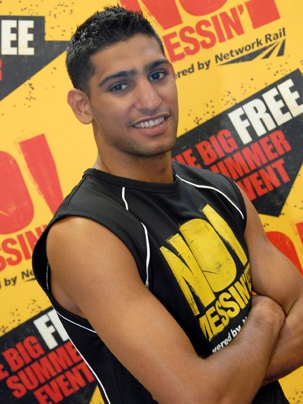Amir Khan supports No Messin' 001