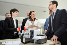 (L-R) Dr Maiwenn Kersaudy-Kerhoas, Kate Forbes MSP & Dr Antonio Liga (Natantis)