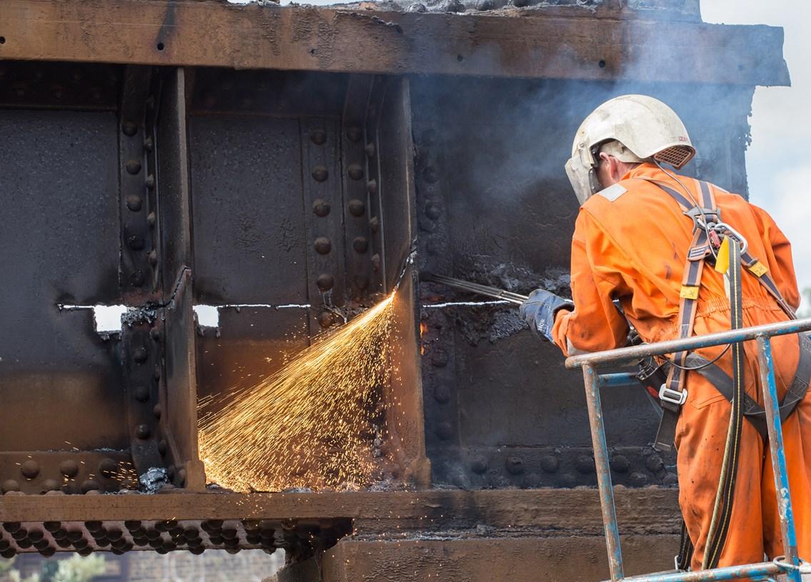 Sparks fly as Bermondsey demolition brings Thameslink improvements one step closer: Thameslink (3 of 7)