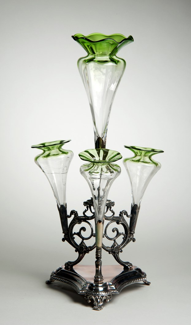 Object of the week- Radioactive glassware: leedm.e.1965.43.1uraniumglassepergne-284810.jpg