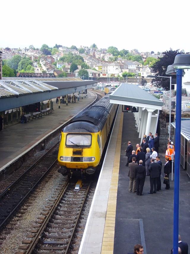 New Measurement Train arriving at Platform 4: NMT arriving into Platform 4 at Newport station