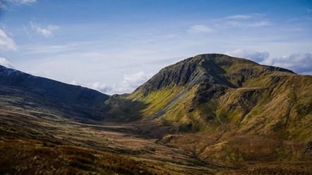 Snowdonia mountain-2