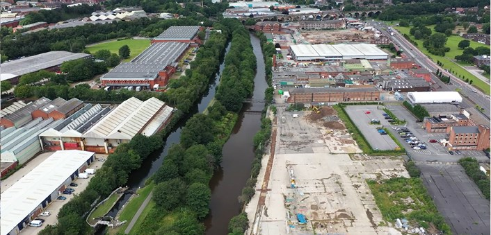 Leader of Leeds City Council welcomes further funding for Leeds Flood Alleviation Scheme: Flood scheme Kirkstall Road aerial