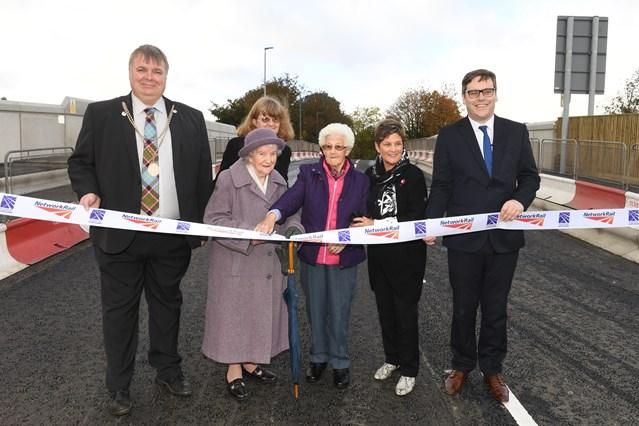 Network Rail opens £8m Stirling railway bridge early: 17967896