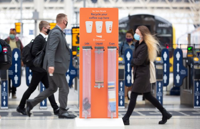 Network Rail introduces coffee cup recycling: passengers encouraged to Sip, Save and Recycle to help make stations greener: Network Rail Recyclable Cups-11