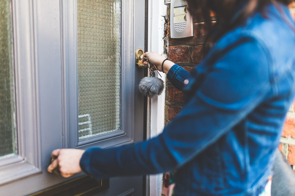 1 in 4 households turning to smart tech to protect their homes from thieves and burglars: Locking door