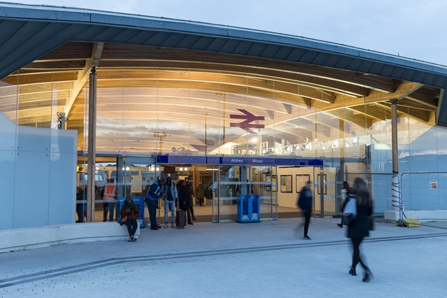 Abbey Wood's new station building is now open: Abbey Wood s new station building opens  22 October 2017  291639