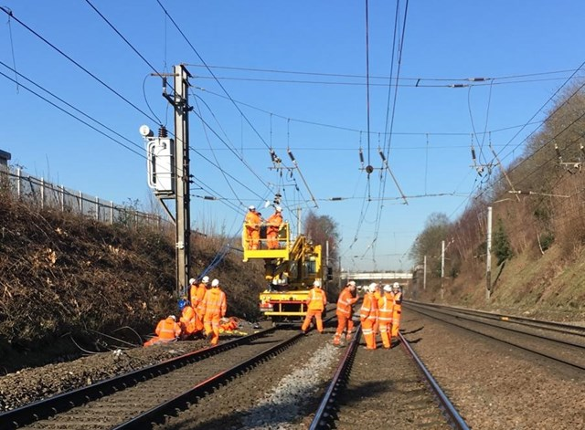 Repairs to overhead line equipment between Bedford and London St Pancras International expected to complete this afternoon: Repairs taking place to overhead line equipment between Bedford and London St Pancras International