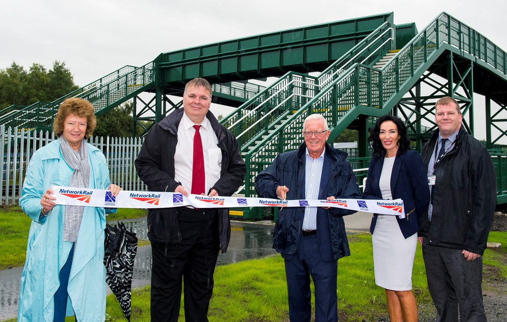 New footbridge replaces high-risk Stirling level crossing: Millhall (L-R): Community councillor Wendy McLean, councillor Chris Kane, Bruce Crawford MSP, Libby Gallacher and Jeremy Spence of Network Rail