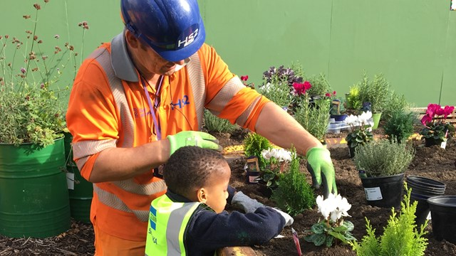 Engineering firms building HS2 make skills, jobs and training pledge in London: Community skip garden, based at Costain Skanska's NTH offices on Hampstead Road, NW1