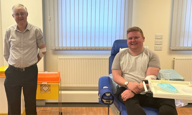 """Railway worker """"overjoyed"""" to donate blood for the first time as rules for gay and bi-sexual men change: shane andrews giving blood"""