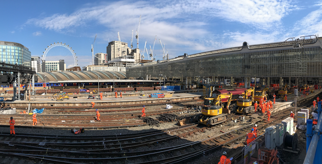 TIMELAPSE: The sun rises on the largest upgrade at Waterloo for decades: Waterloo, August 2017 - 5 August (1)