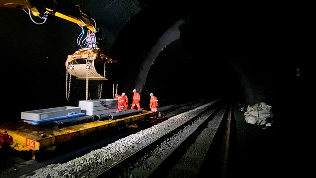 Inside Cowburn Tunnel at track level