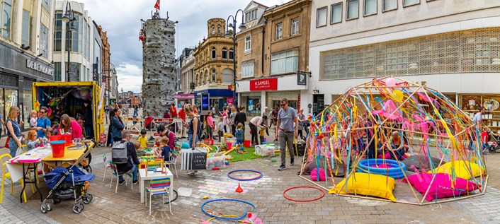 Families in Leeds urged to #GoOrange for national play day tomorrow: Playful Anywhere will be in Merrion Gardens 4 Aug