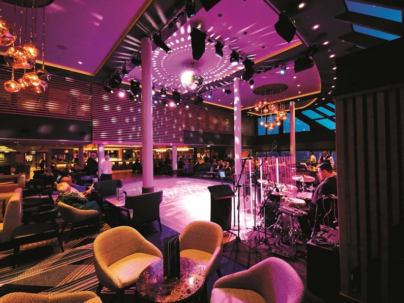 Saga Cruises - Spirit of Discovery Britannia Lounge (entertainment)