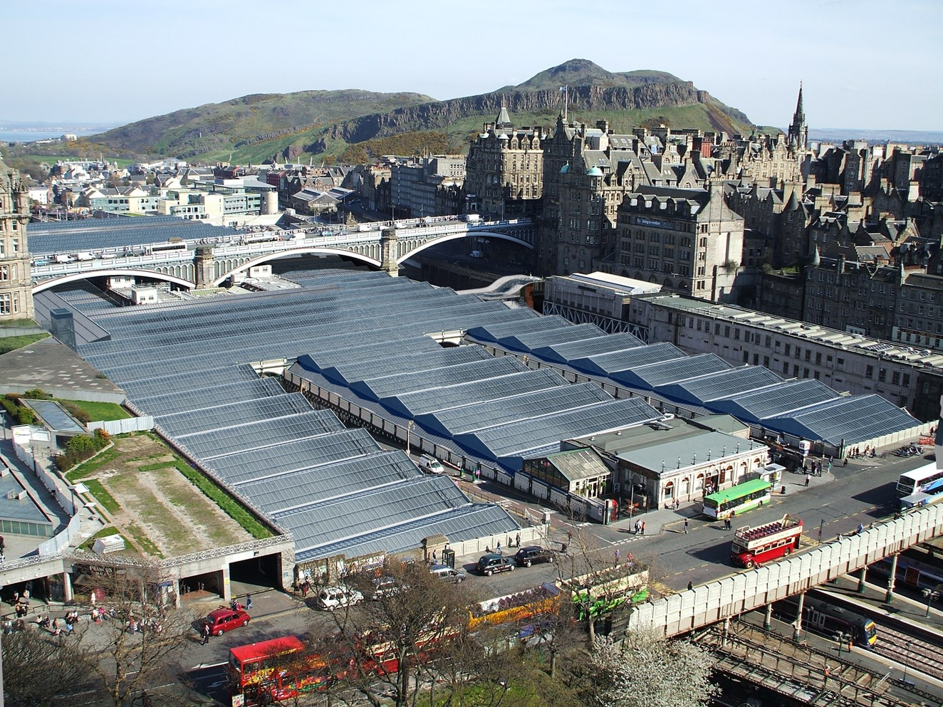 Edinburgh Waverley on-track for Christmas enhancement work: Waverley new roof from above