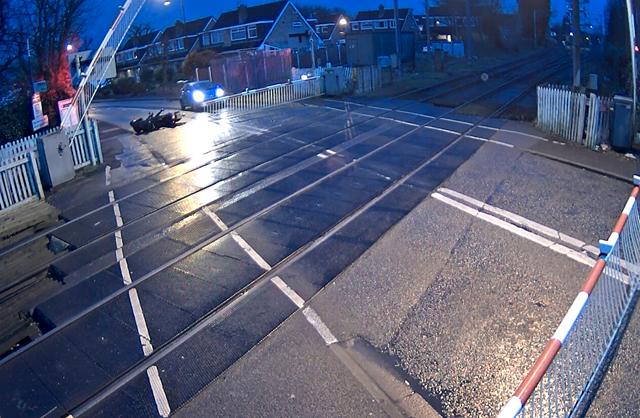 Navigagtion Street level crossing