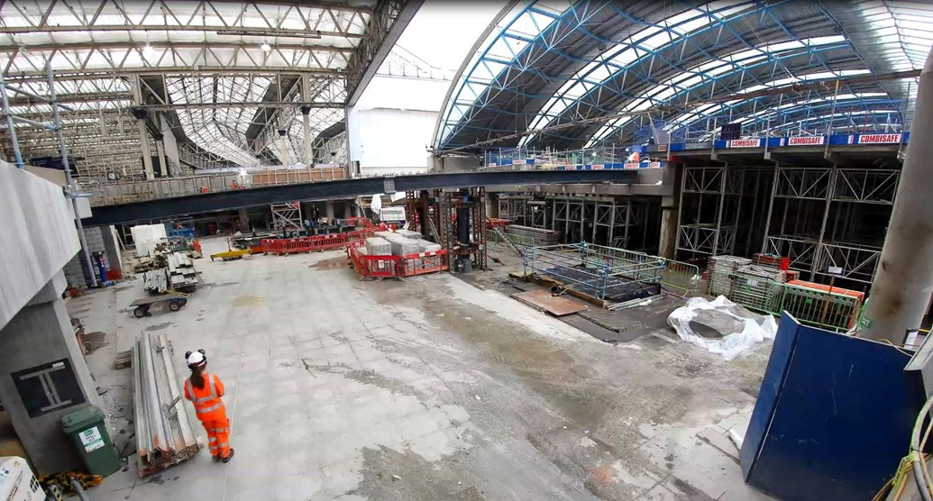 TIMELAPSE: Watch the installation of new footbridge inside London Waterloo station: Network Rail Timelapse, Waterloo footbridge instalaltion 2017