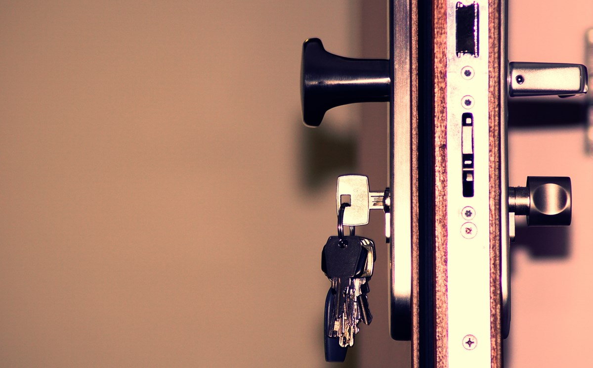 black-and-grey-keys-792034-3