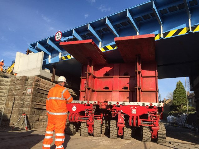 Easter engineers deliver new Carmuirs rail bridge: carmuirs 1 - new deck being transported into place