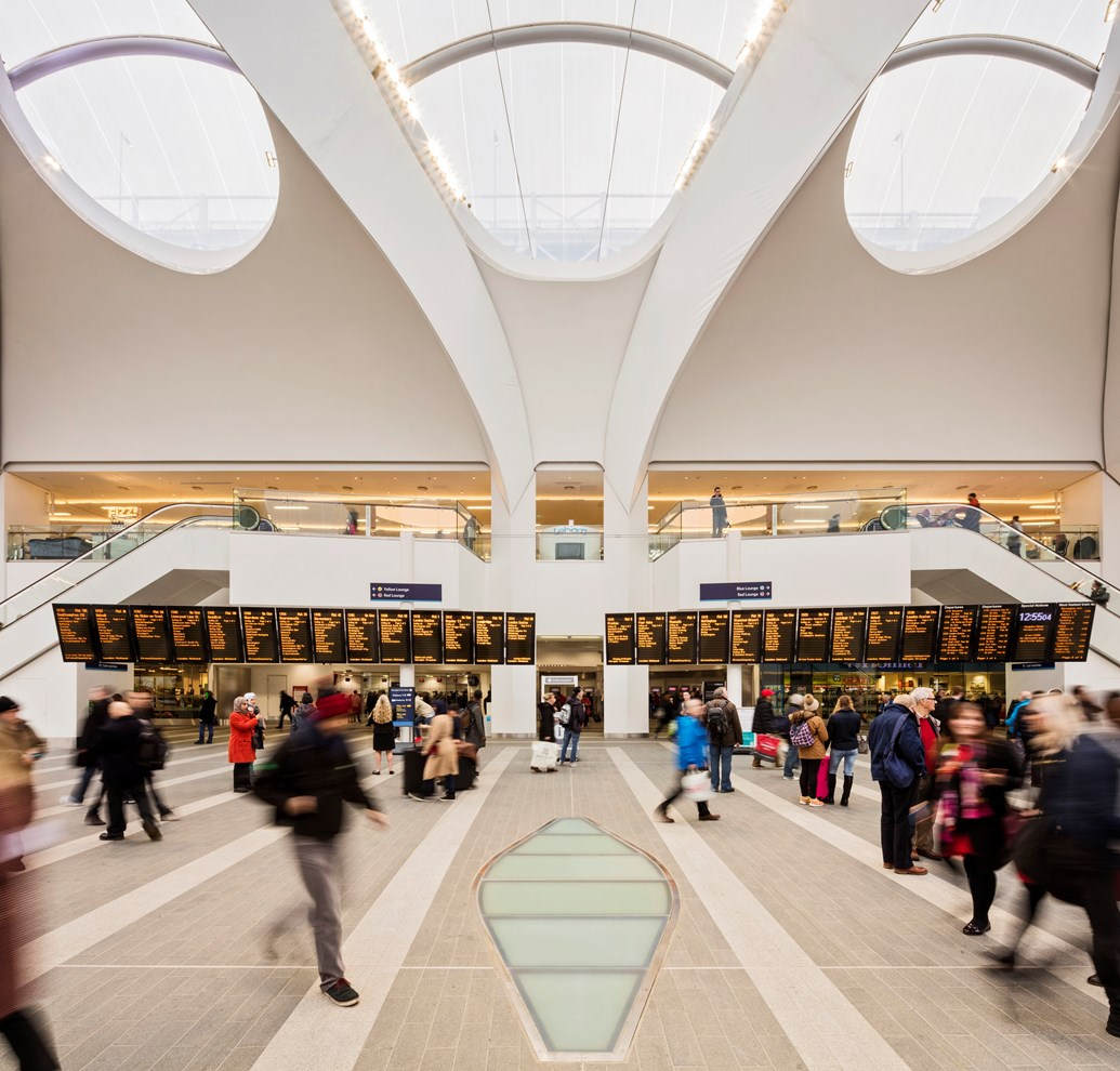 Birmingham shoppers lead station splurge as retail sales continue to rise: Birmingham New Street-70