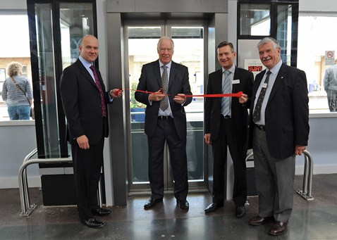 "Sir Stuart Bell MP ""opens"" lifts at Middlesbrough station_2"