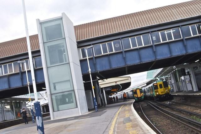 Clapham Junction station lift picture