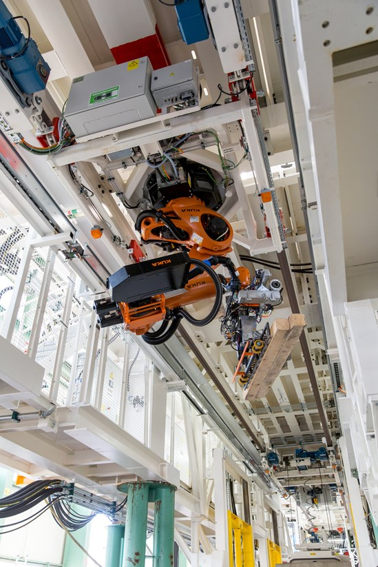 HS2 boosts safety and efficiency with innovative robot for Chiltern tunnelling machines: Krokodyl  robot onboard HS2's TBMs November 2020