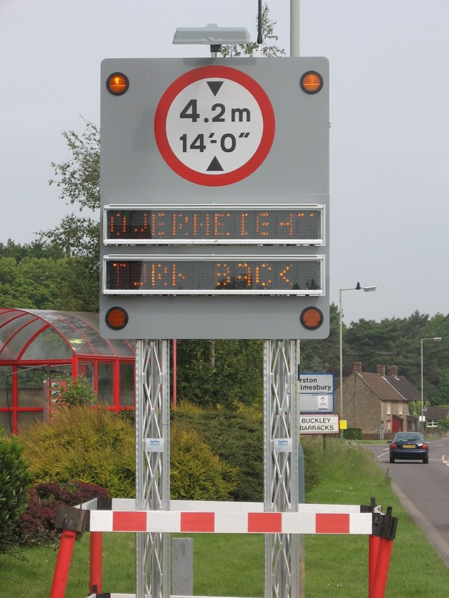 Kingway Bridge: New interactive sign