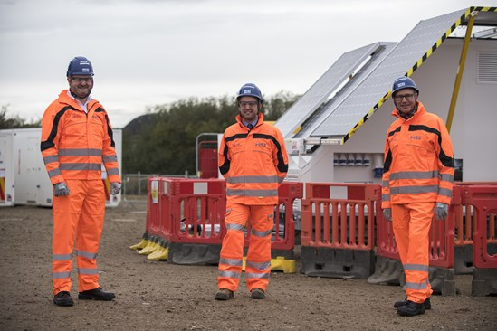 World's first solar and hydrogen powered cabins to dramatically cut carbon on HS2 construction sites: Solar cabins visit  HS2 Minister Andrew Stephenson September 2020