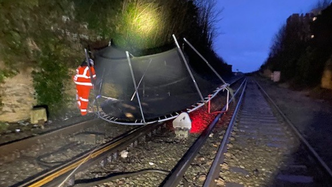 Plea to residents after flying trampoline disrupts Merseyrail trains: Trampoline blown onto Merseyrail tracks at New Brighton March 11 2021