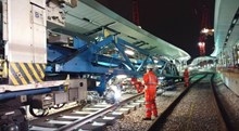 NTC at LBG: The New Track Construction (NTC) train lays the new track that will be line 2 at London Bridge, ahead of commissioning over the Easter weekend.