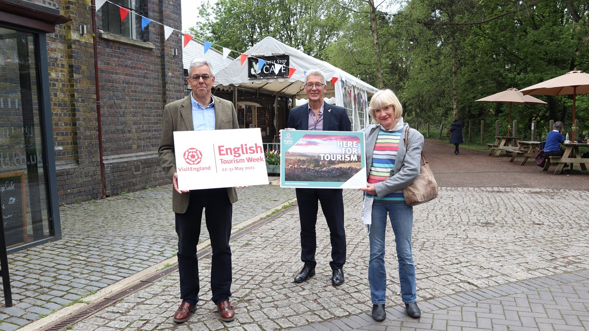 Tourism Week - Cllr Dale with Tetbury Goods Shed trustees
