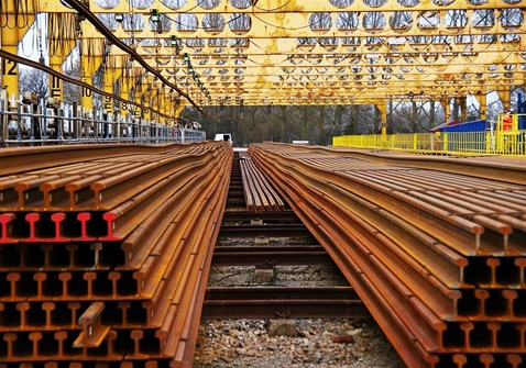 Network Rail supports British business with £200m British Steel contract extension: eastleigh depot lenths of rail1