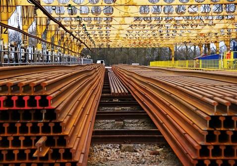 eastleigh depot lenths of rail1