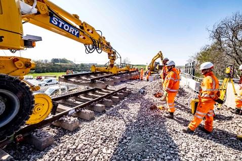 Laying new track on Dalwearie Bridge, Kintore
