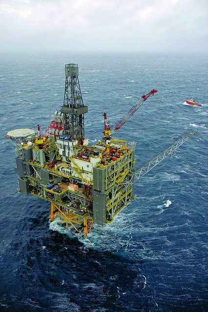 Scotland oil and gas image