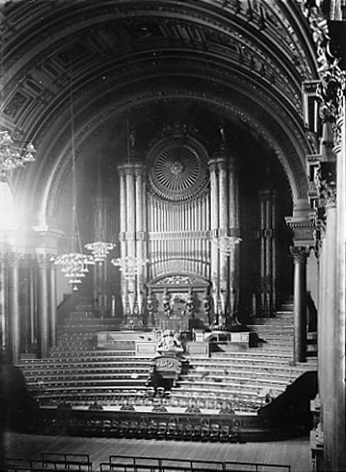Leeds Town hall organ recital: The Leeds Town Hall organ in 1890. Credit Leeds Libraries and Information Service.