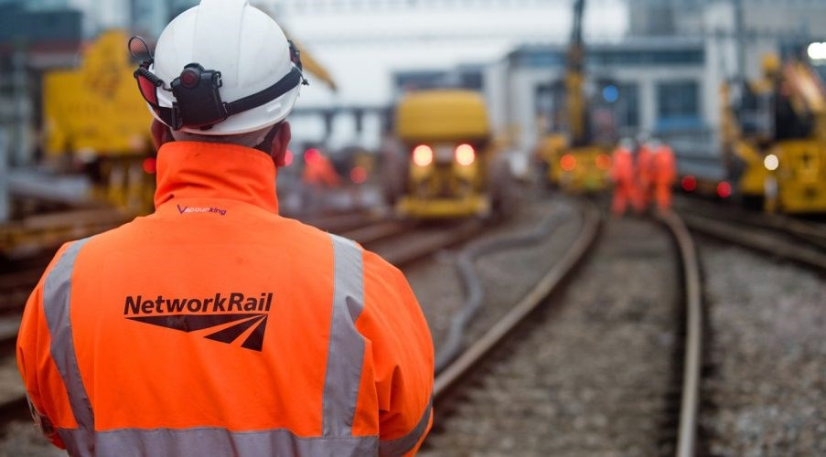 Network Rail announces £640m contract awards to deliver design services: Network Rail Worker On Track