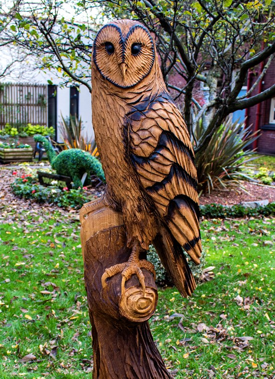 HS2 contractor LMJV donates owl sculpture and £10,000 to Birmingham Children's Hospital: Owl carving donated to Birmingham Children's Hospital